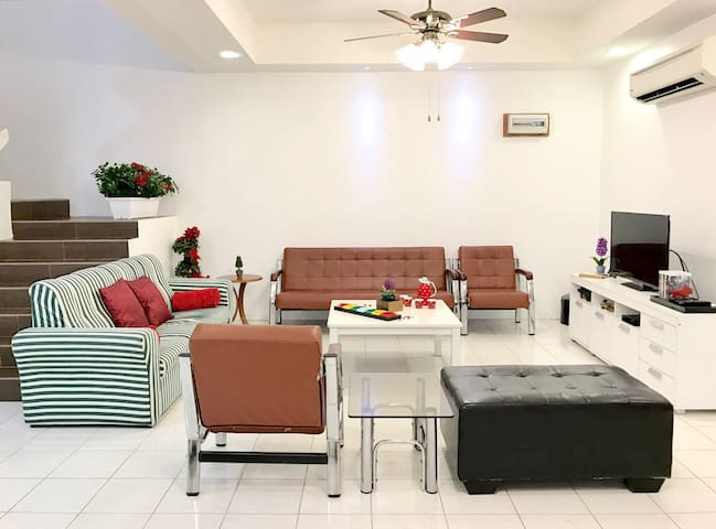 WiFi Family Home 5rooms/13pax - No cleaning fee