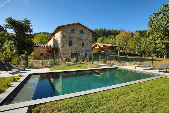 """""""Grand Gîte Le Val d'Or"""" avec  piscine 5 étoiles"""