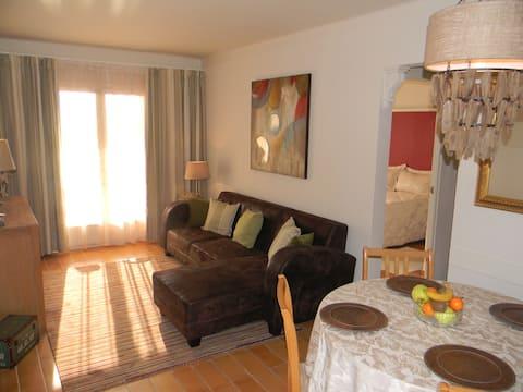 Estartit 2 bed apartment with communal pool