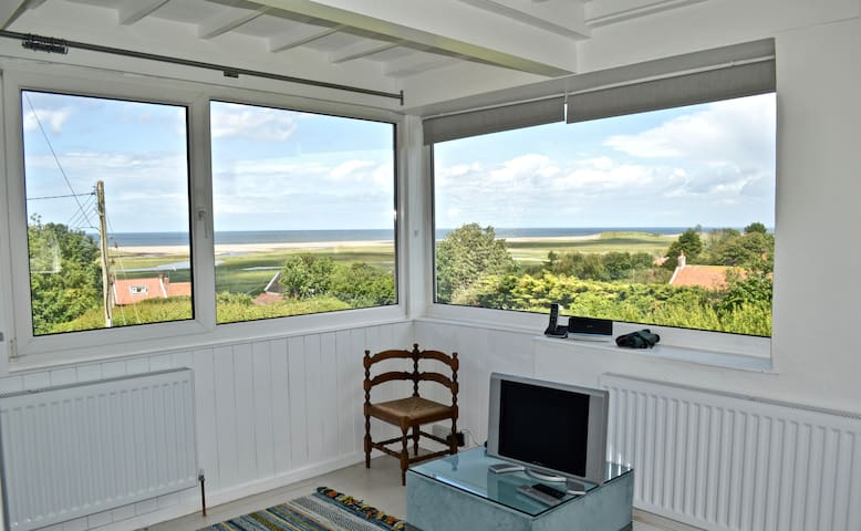 St Nicholas Cottage - Seaside cottage with a view