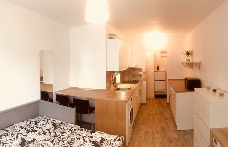 AMAZING NEW STUDIO FLAT! Near to the centre!