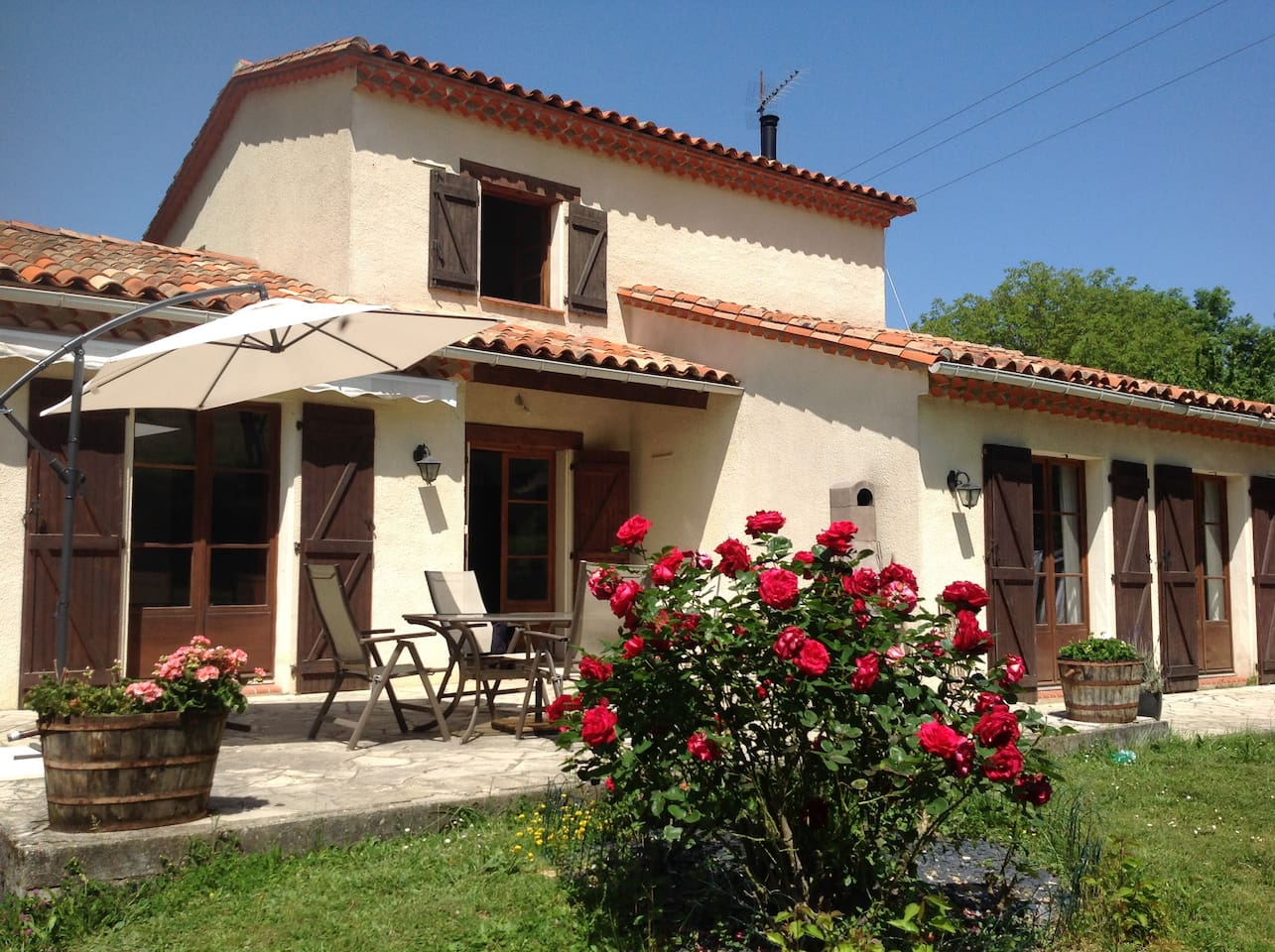 Chez Irene - the sunny south facing patio
