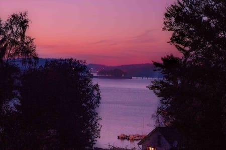 ty lac, chalet avec vue sur le lac de Vassivières - Beaumont-du-Lac - Natuur/eco-lodge