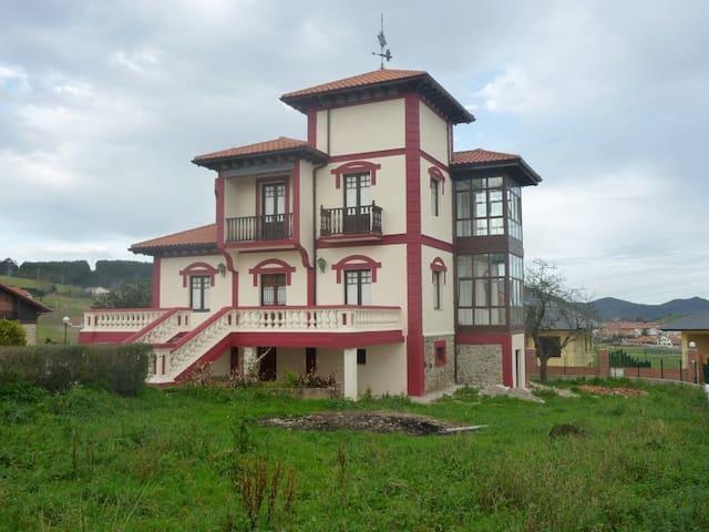 Chalet indiano entre Laredo y Santoña - Bárcena de Cicero - Вилла