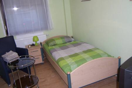 Haus Obersulm Zi.1 Einbettzimmer - Obersulm