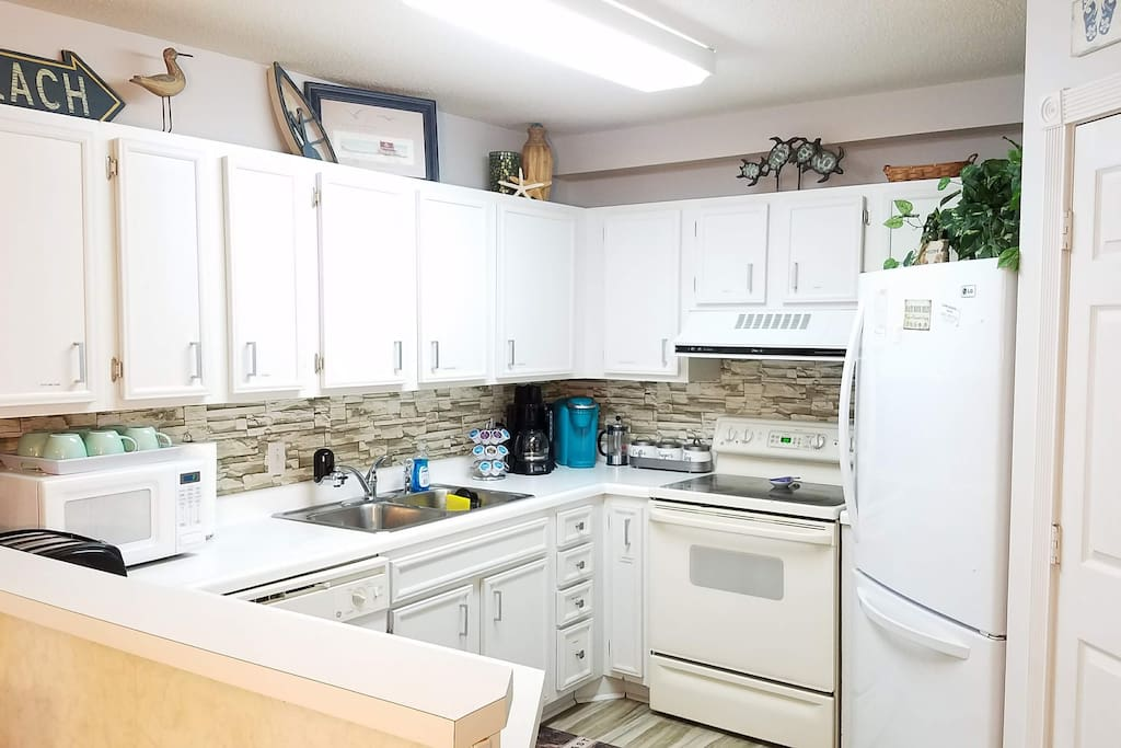 Fully stocked kitchen for cooking