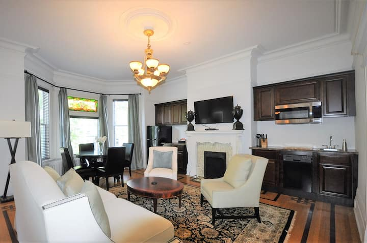 5 Star Luxurious Suite in City Center