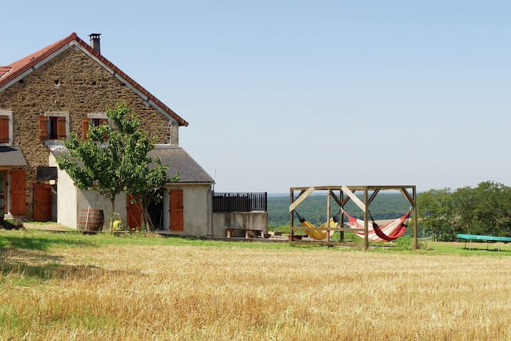 Unique 100 year-old farmhouse located in the beautiful hilly region of Rémilly