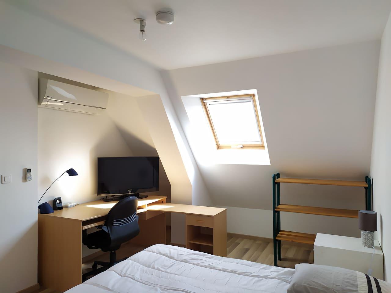 Chambre avec wifi et climatisation