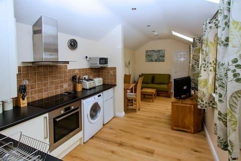地理位置優越的現代化1居室平房。