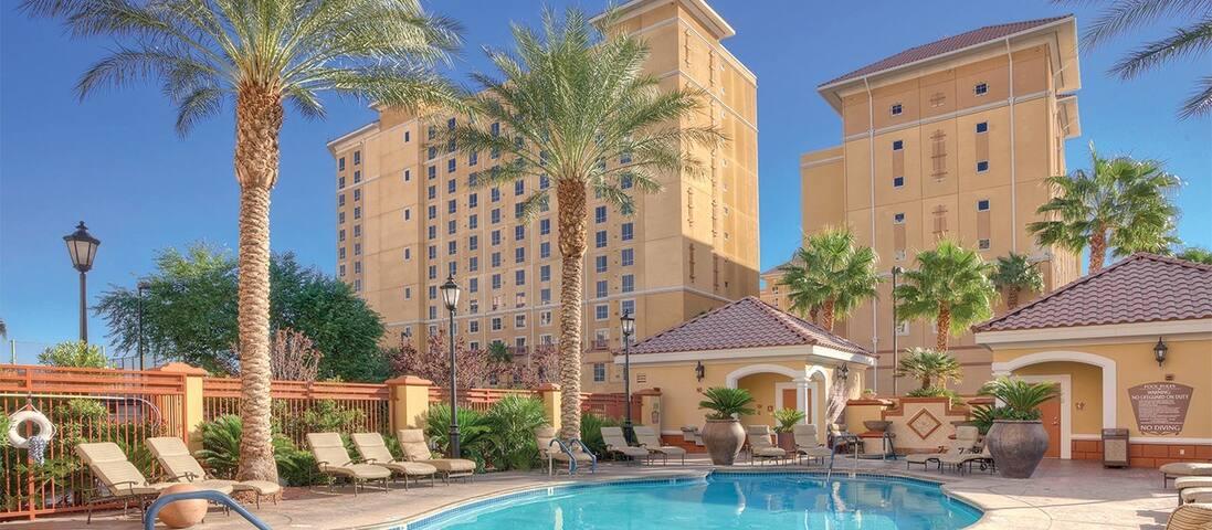 Vegas 1 Bdrm Suite @ Wyndham Grande Desert_1 of 2