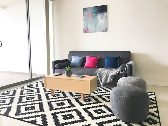 Huge Two Beds Close to Sydney CBD+ Airport+ Beach