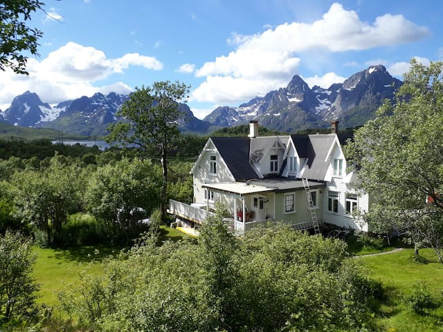 Unique villa in beautiful Lofoten