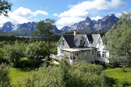 Unique villa in beautiful Lofoten