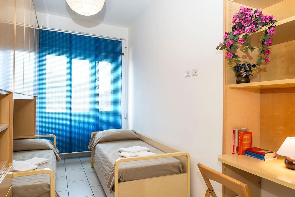 Camera con due letti - Twin Bedroom, Chambre à deux lits