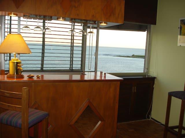 La mejor vista de Playa Pocitos con todo cerca ...