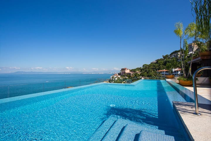 Boutique V Conchas Chinas apt. 602, OCEAN FRONT - Puerto Vallarta - Apartment