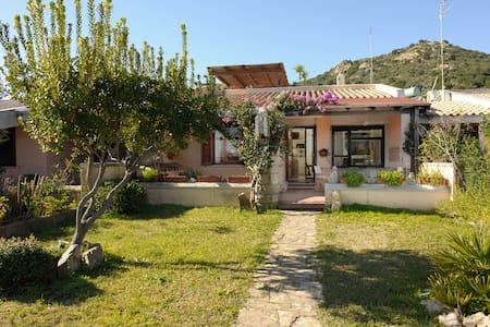 Elegant villa 5 km from the sea - Hus