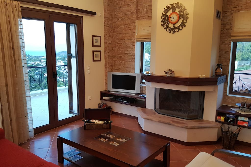 Fireplace with protection glass