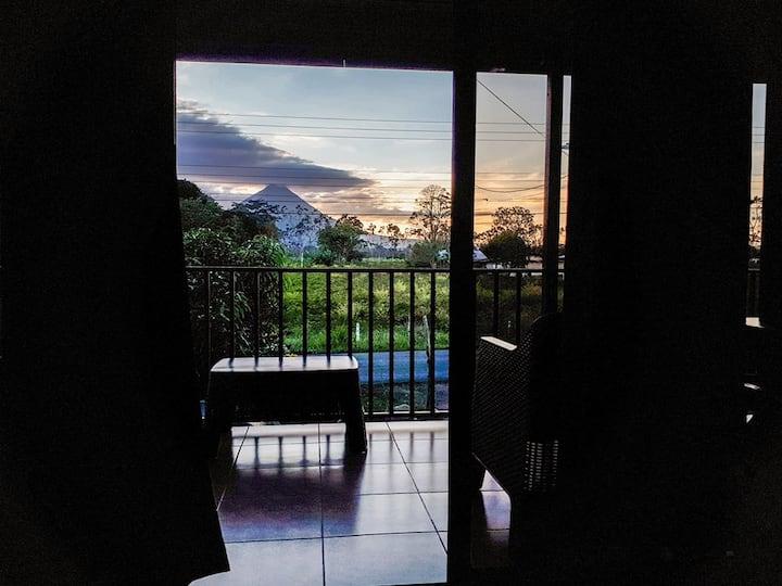 Cabaña Rocío,fresh pool, and volcano view!
