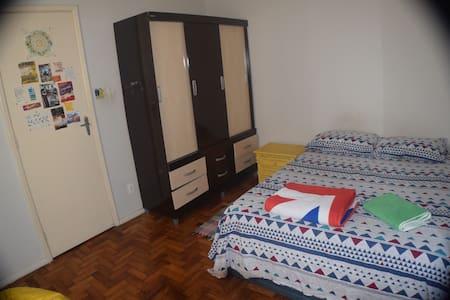Tourist-free Santa Teresa room - Wohnung