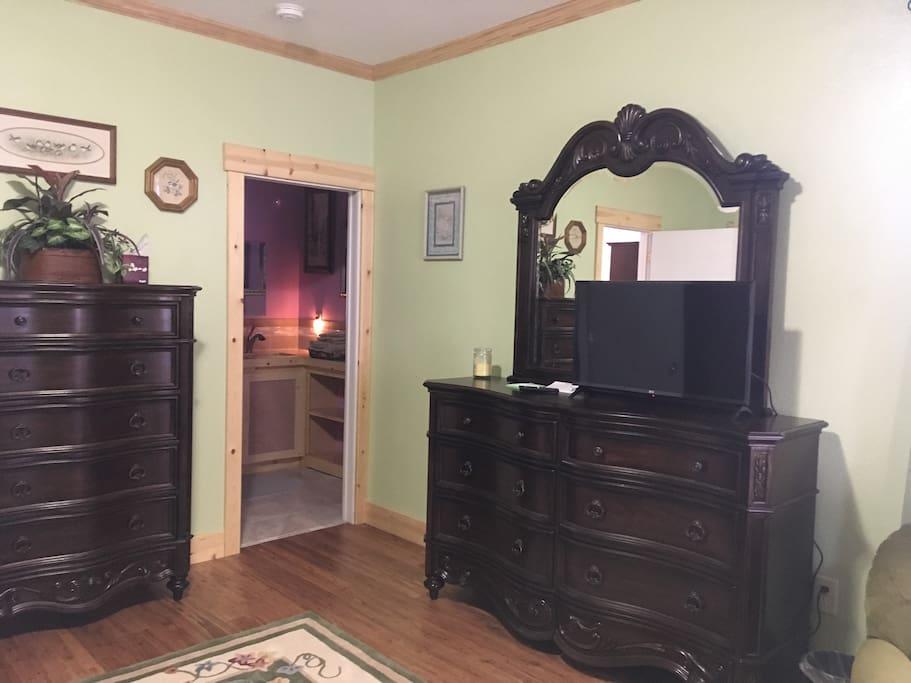 Luxury dresser drawers