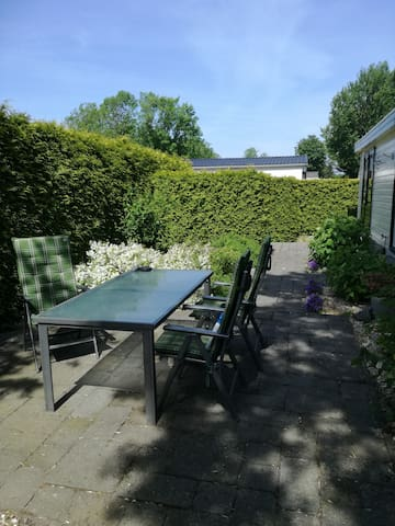 Bungalow+bicycles Friesland 3 km from Wadden Sea