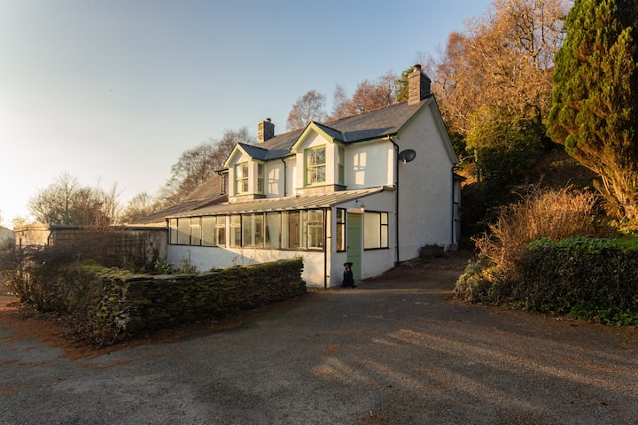 Peaceful 3 Bedroom Cottage in the Welsh Hills