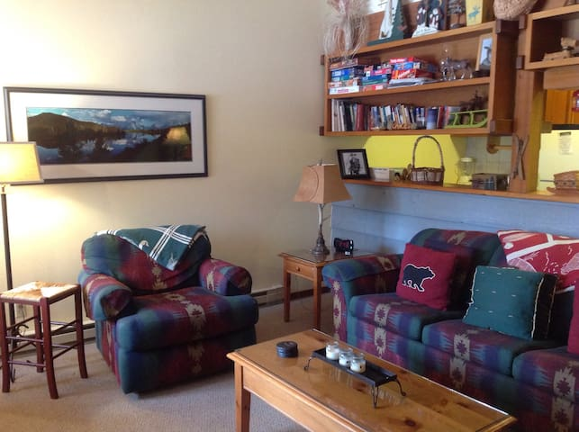 Cozy Condo Retreat w Mountain Views - Wilson - Selveierleilighet