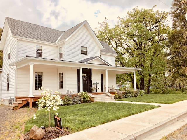 Historic Creekside Farmhouse