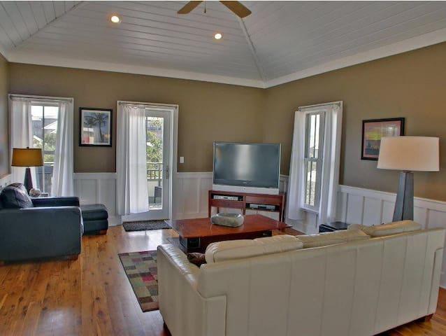 Vinings Casa 8 - Seacrest - House