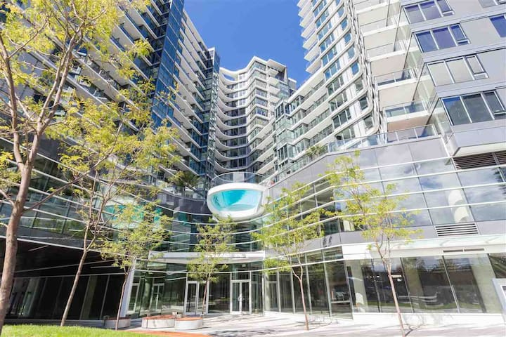 38 Smithe St - 1 Bedroom -  Downtown Vancouver