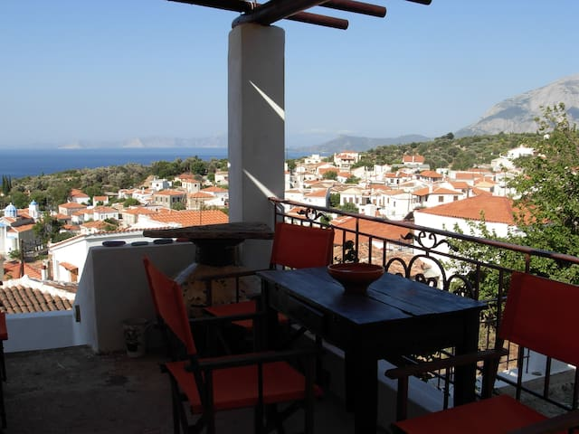 Traditional house overlooking the Aegean Sea - Samos - Rumah
