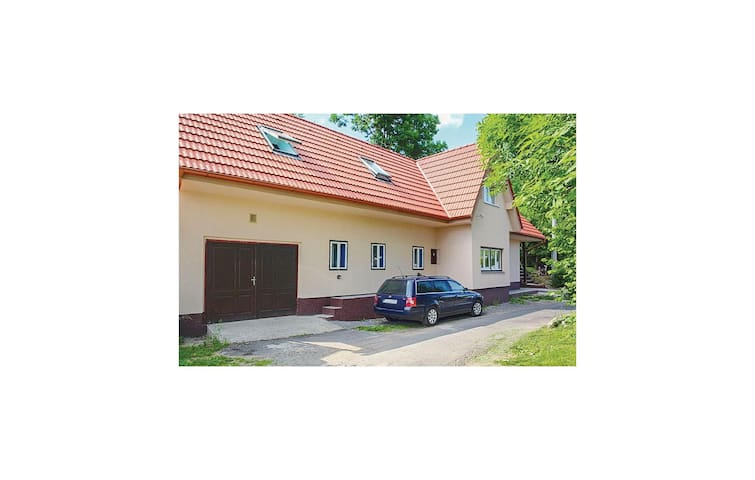 Holiday cottage with 2 bedrooms on 81m² in Stiavnicke Bane