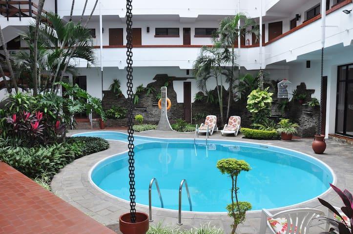 Hotel Las Palmas tropical paradise in city center