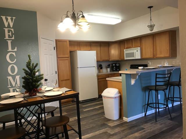 Wonderful mid-town condo in heart of Fort Collins