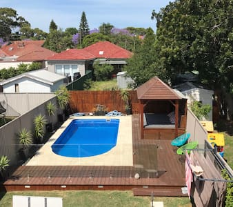 Eastern Suburbs home with it all - Daceyville