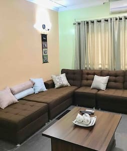 Gees 2 Bed Luxury Serviced Apartment