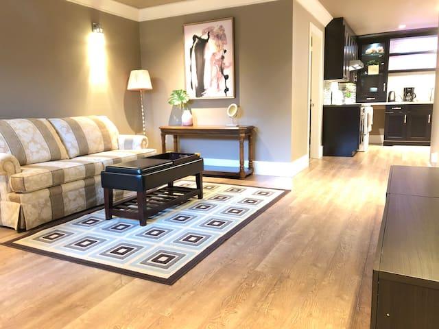 Serena's cozy oversized suite
