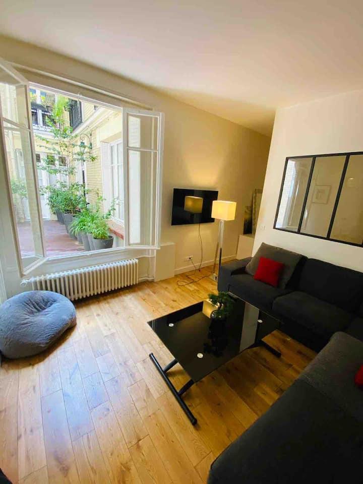 Charmant appartement style loft refait a neuf