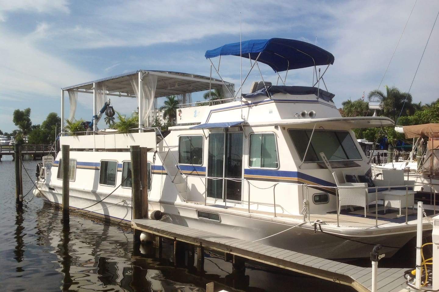 Beautiful 52 Foot Houseboat Located in Old Naples on Naples Bay
