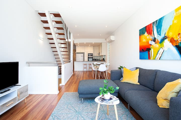 Exceptional Coastal Coogee Townhouse, Ocean Views
