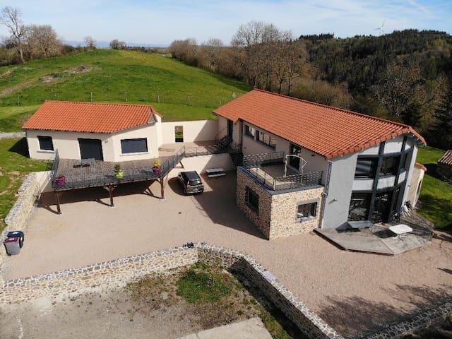 Maison + Gîte calmes près d'Ally 43 (Auvergne)