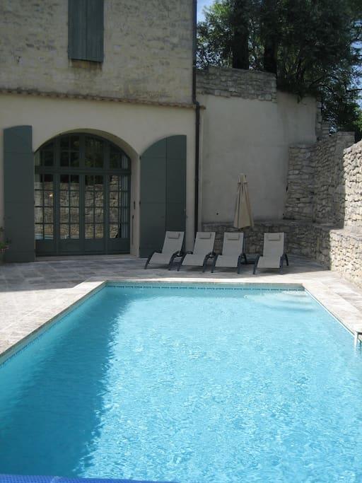 Relaxing corner - sunbeds provided