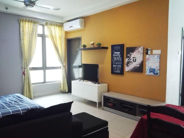 Cyberjaya Family Room @ Shaftsbury Near Putrajaya