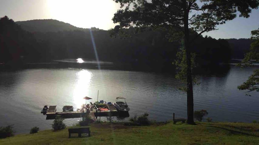 LAKEFRONT ON LAKE GLENVILLE, BEST VALUE ON LAKE