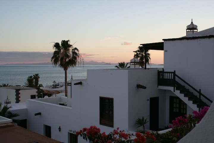 House w/ wifi, pool & ocean view in Canary Island - Tías - Maison