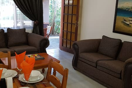 Ndiza Two bedroom cottage including breakfast