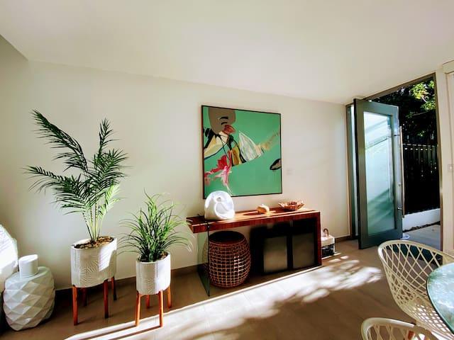 Contemporary, prime beach location Dorado Resort