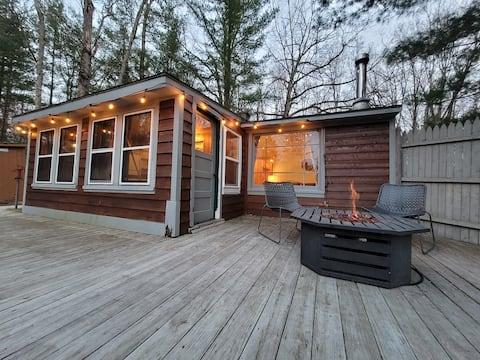 Backwater Cabin ♡ (boat, arcade, fire pit)